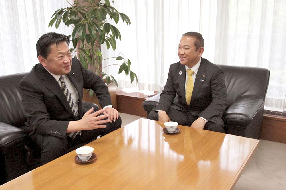 本村賢太郎 相模原新市長と面会しました